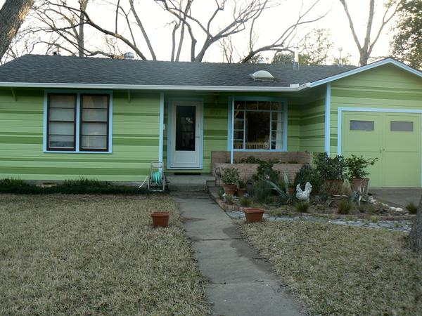 Central/East Austin house with three cats