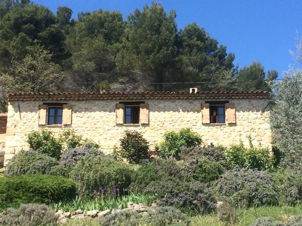 House in the hills above Seillans with dogs, cats and poultry