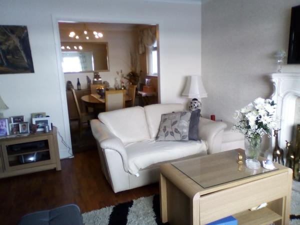 Housesitting assignment in Larkhall, United Kingdom