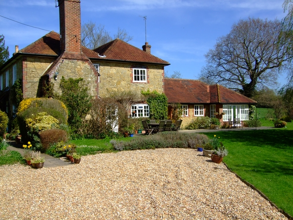 Housesitting assignment in Ewhurst, United Kingdom