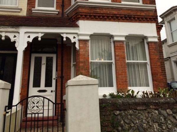Housesitting assignment in Worthing, United Kingdom