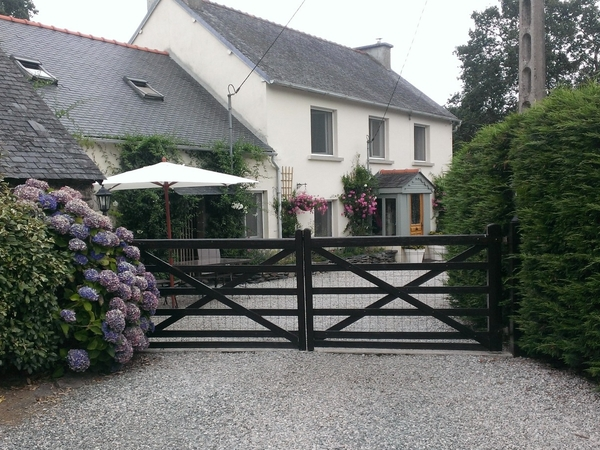 Housesitting assignment in Gourin, France