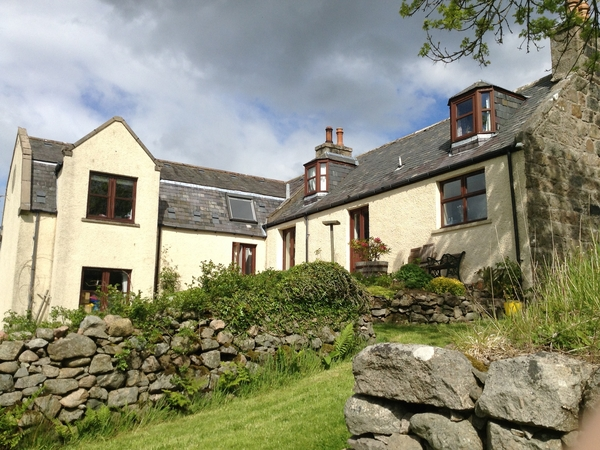 House in countryside 7 miles from Aberdeen. Lovely views, rural location but short drive into Aberdeen