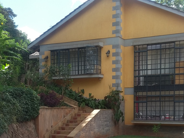 Housesitting assignment in Nairobi, Kenya