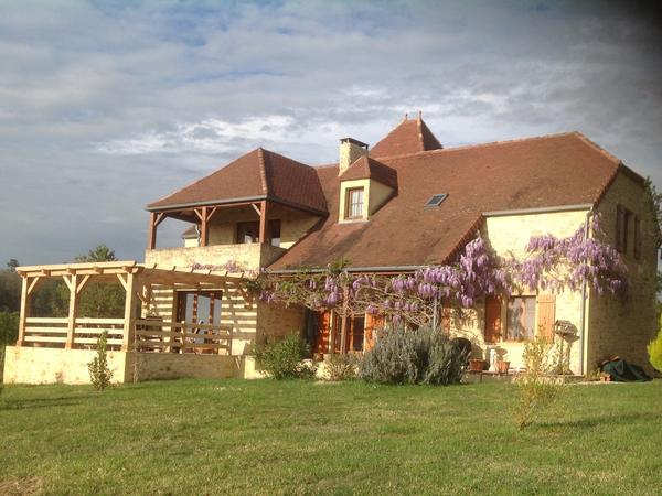 Dog loving sitters required to look after our two dogs in the heart of the Dordogne, France.