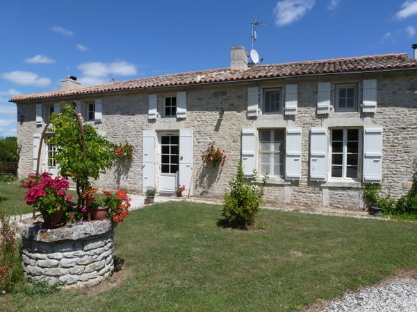 Housesitting assignment in Surgères, France
