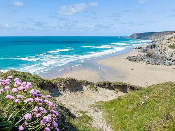 Get away from it all in sunny Cornwall!