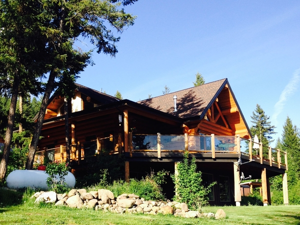 Log Home in Okanagan valley on 80 acres