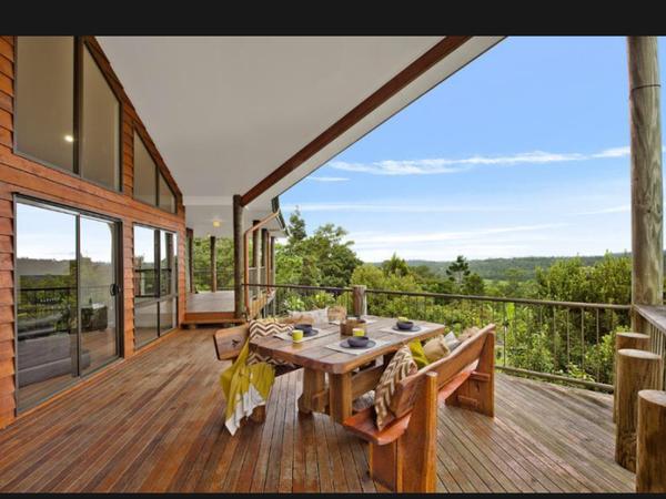 Housesitting assignment in Samford Valley, Queensland, Australia