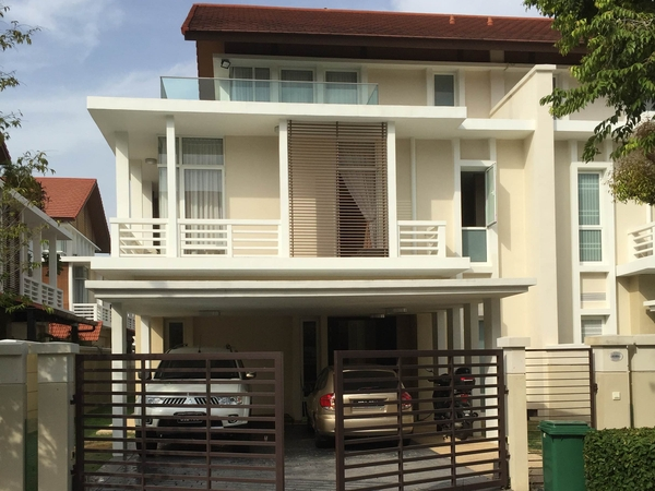 Housesitting assignment in Penang, Malaysia