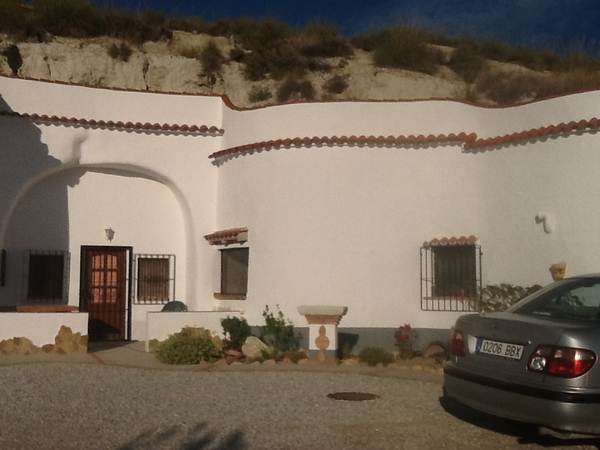 Cave house on the outskirts of a typical Spanish village.Quiet simple life , off grid solar powered, free wifi . Flexible start date before 15th May.