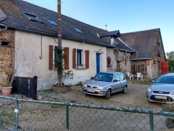 Housesitting assignment in Craon, France