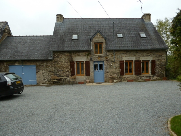 Pet and house sitter for our 3 friendly dogs and lovely home in Josselin