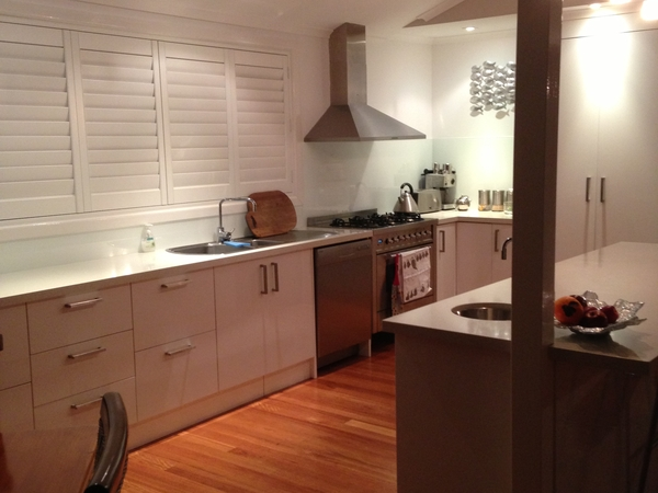 Mature person or couple for house sitting a waterfront and beachside home and pet minding (2 dogs).