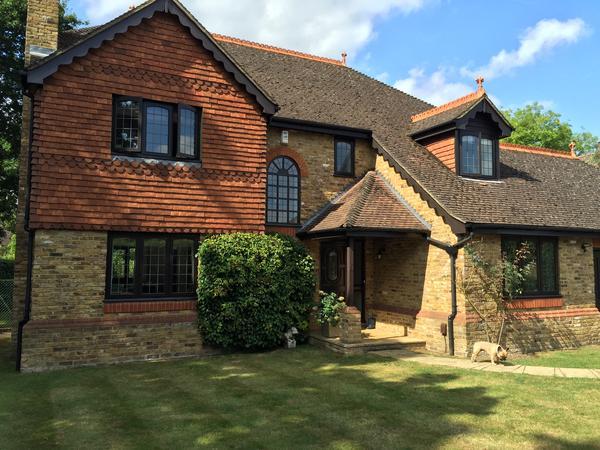 Housesitting assignment in Oxshott, United Kingdom