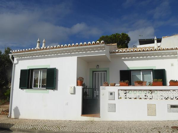 Housesitting assignment in Espiche, Portugal