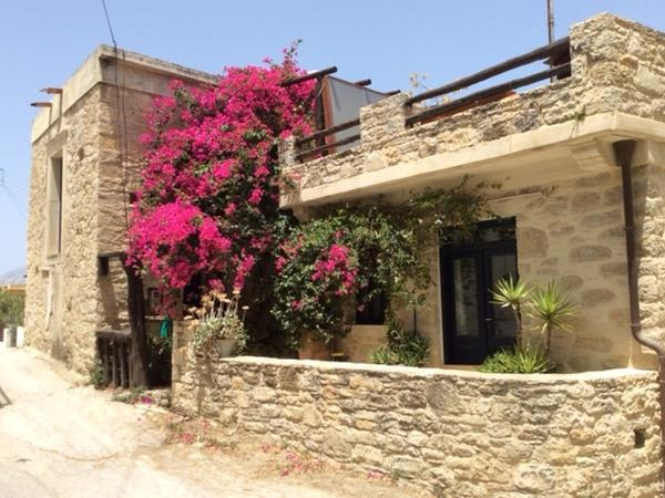 Housesitting assignment in Pitsídia, Greece
