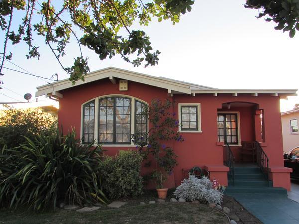 Craftsman Bungalow in Oakland, CA