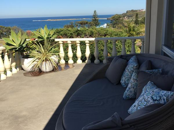 Amazing beach house and dog sitter required