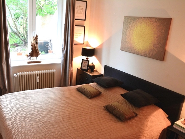 Brussels apartment with private garden and 2 dogs in trendy area