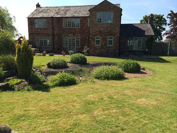 Housesitting assignment in Knutsford, United Kingdom