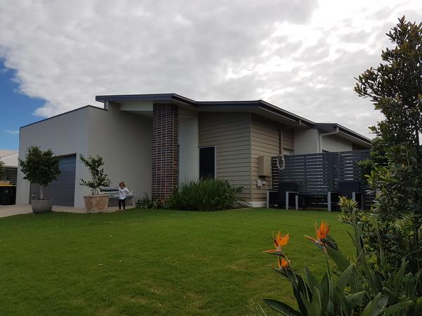 Housesitting assignment in Nudgee, QLD, Australia