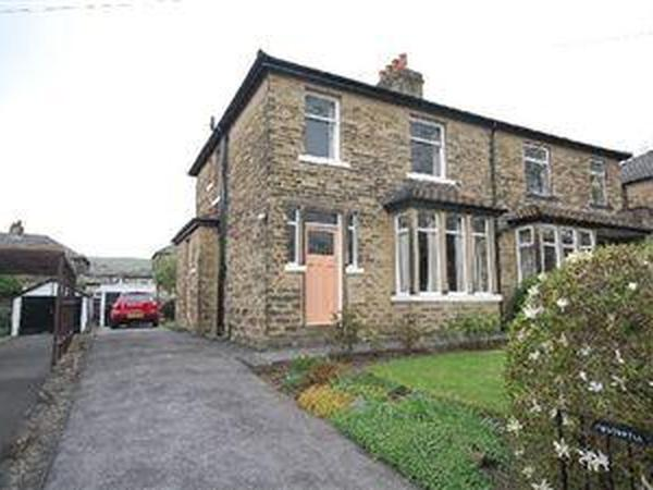 Housesitting assignment in Elland, United Kingdom