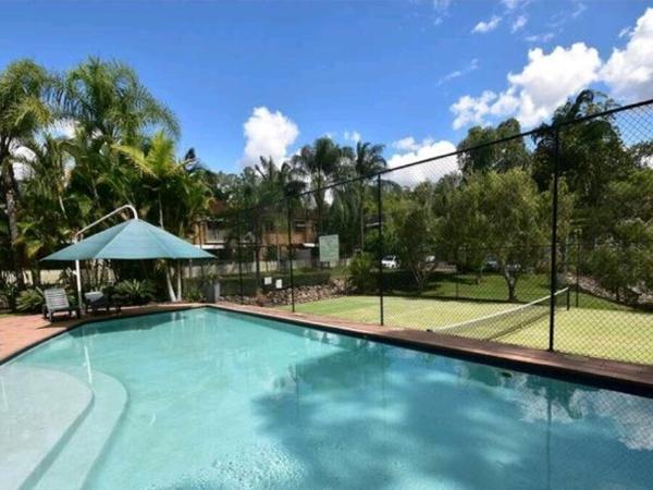 Housesitting assignment in Kenmore, Queensland, Australia