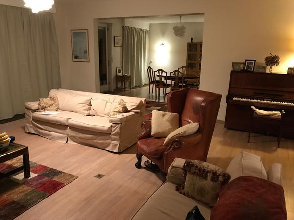Housesitting assignment in Wezembeek-Oppem, Belgium