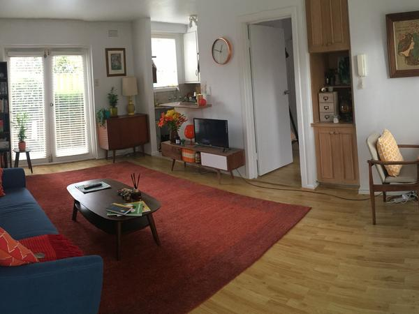 *** 5th August - 1st September: Sitter required for lovely apartment and puppy in Brunswick!! ***