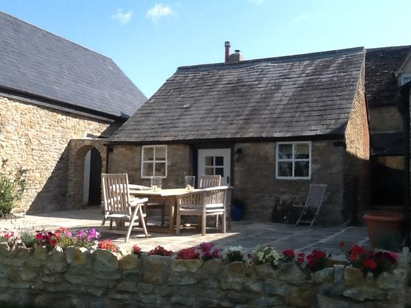Housesitting assignment in Lechlade, United Kingdom