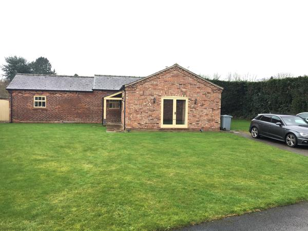 Housesitting assignment in Holmes Chapel, United Kingdom