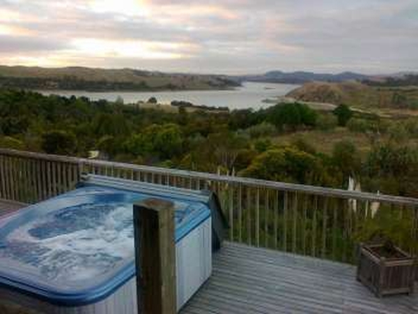 House sitter - gorgeous location overlooking Otamatea river on the Kaipara and olive grove and estuary walks