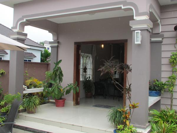 Comfortable, well-equipped 2 bedroom house near the beach