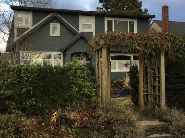 House and pet sitting in Vancouver for 4 nights  in October 2017 and 8 nights in February 2018.