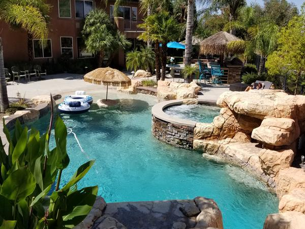 Housesitting assignment in Corona, California, United States