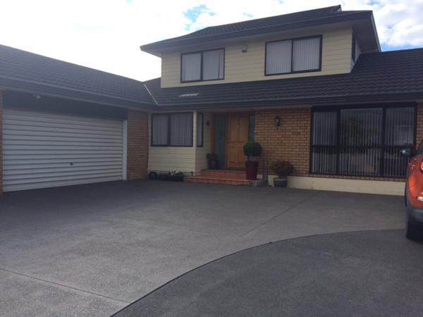 Housesitting assignment in Botany Downs, New Zealand