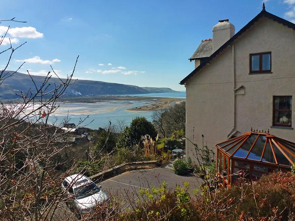 Housesitting assignment in Barmouth, United Kingdom
