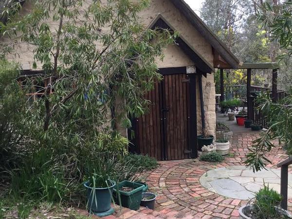 Housesitting assignment in Eltham North, VIC, Australia