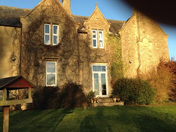 Farmhouse in the Cotswolds close to Oxford, Witney and Woodstock - 3 dogs need some walking and loving care