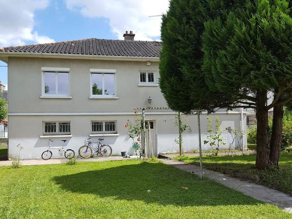 Housesitting assignment in Poitiers, France
