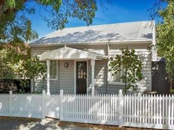 Housesitting assignment in Essendon North, Victoria, Australia