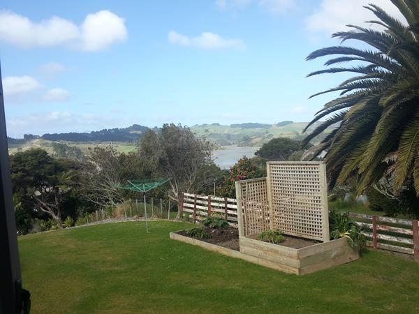 Housesitting assignment in Raglan, New Zealand