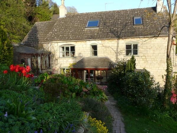 Stay in a cosy cottage in the Cotswolds, looking after our dog, chickens and 3 sheep