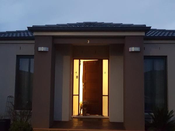 Housesitting assignment in Truganina, Victoria, Australia