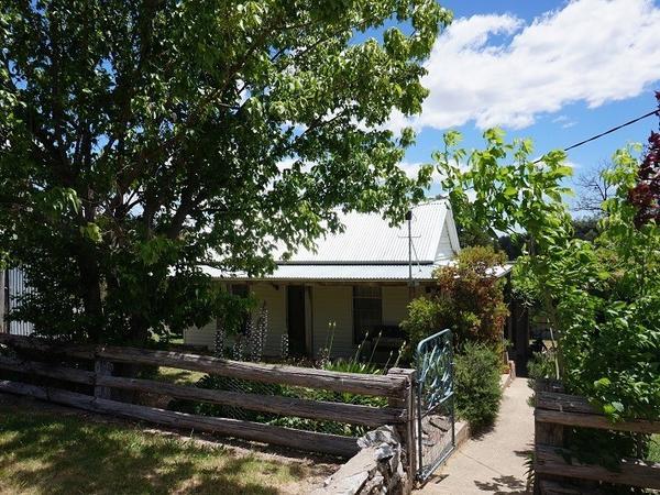 Housesitting assignment in Beechworth, Victoria, Australia