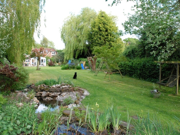 Housesitting assignment in Warfield, United Kingdom
