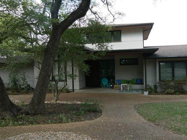 Austin, TX House/Petsitter needed