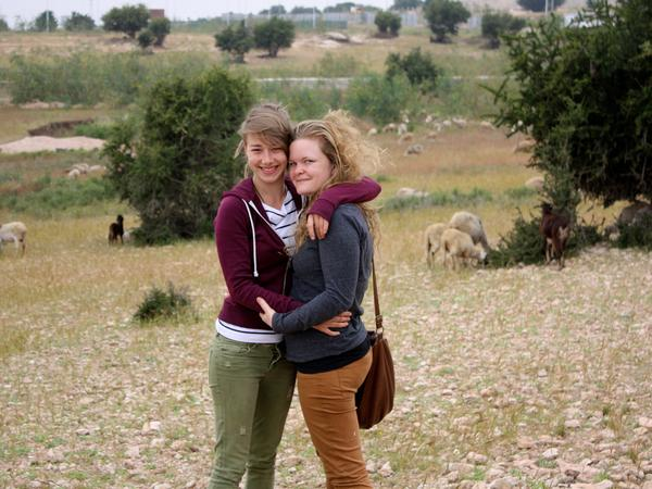 Jade & Lieze from Mechelen-aan-de-Maas, Belgium