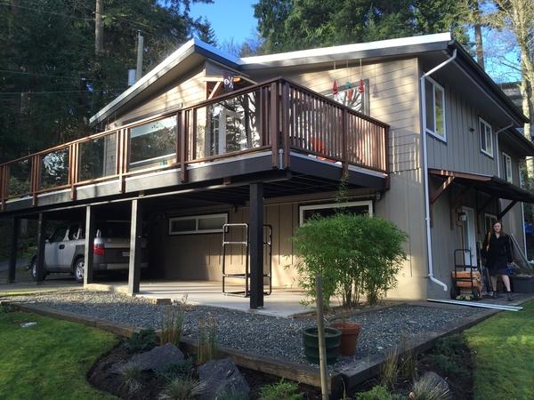 House near the beach in quaint, quiet Cordova Bay (Victoria) BC
